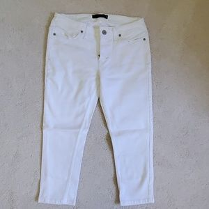 LEVI STRAUSS & CO. 535 White CroppedJegging SIZE 9